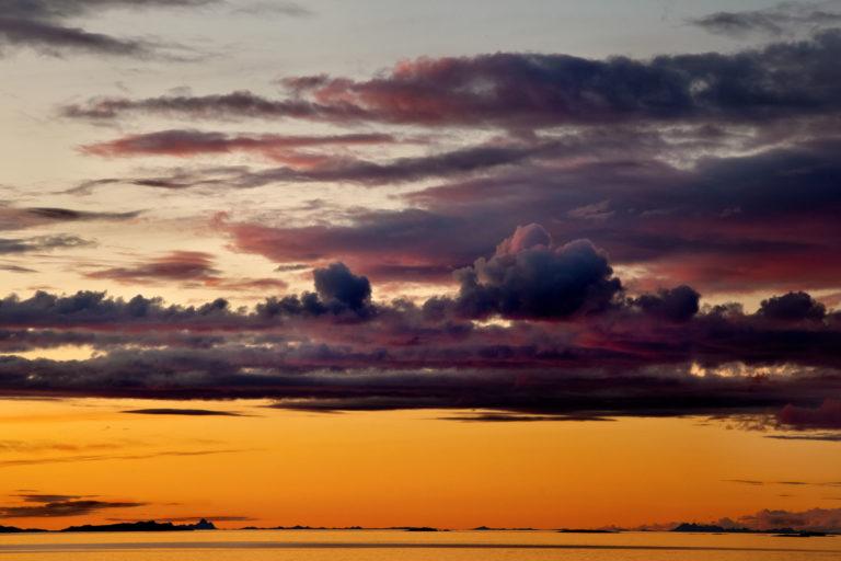 Midnight Sun near Bodø © Rune Nilsen