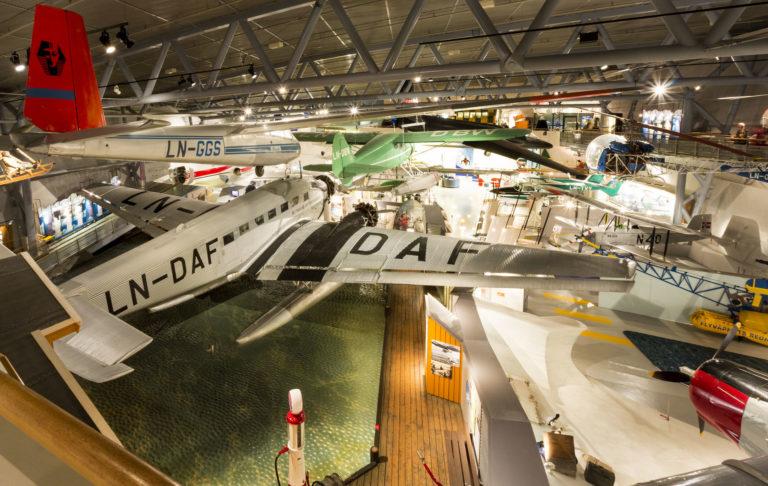 ...og sivile fly på Norsk Luftfartsmuseum © Rune Nilsen