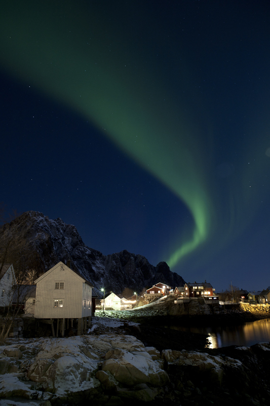 En grønn stripe i Lofoten © Johnny Mazilli