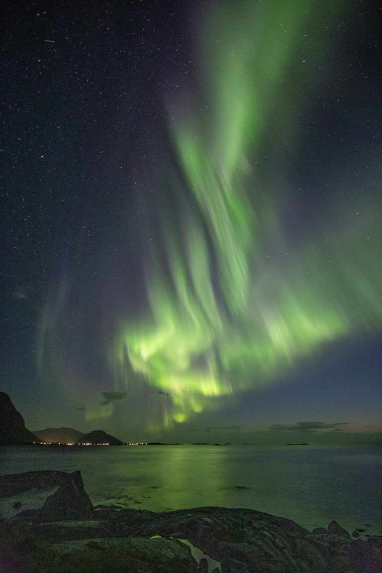 Same place, just in the middle of winter. The lights are more uniformly green © Lofoten Aktiv