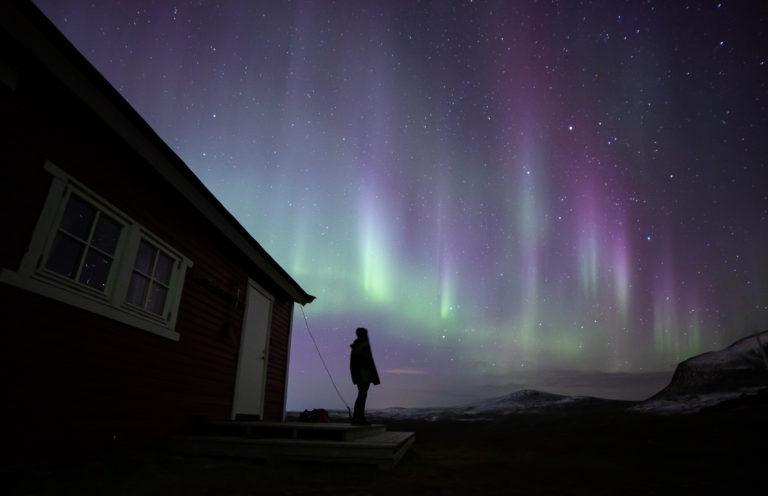 Nordlys fra plattingen ved hytta © William Copeland