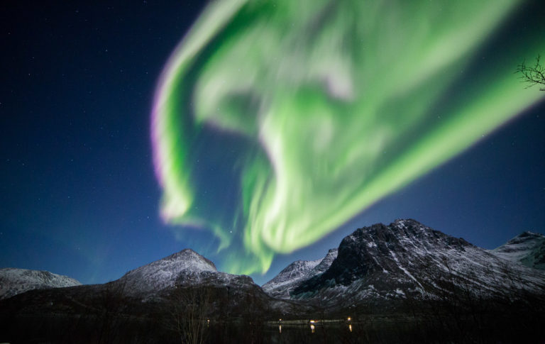 Northern Lights over the Grøtfjord on Kvaløya Island © William Copeland