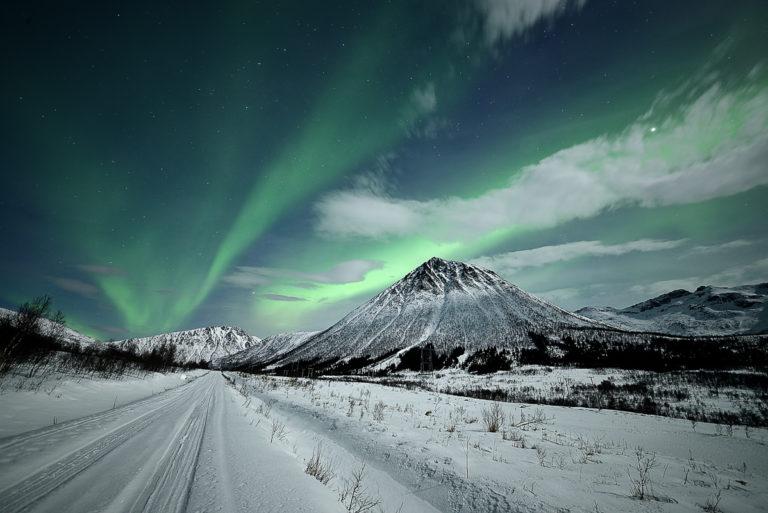 Vinterveier ved Sørfjorden, innerst i Vesterålen © Marius Birkeland