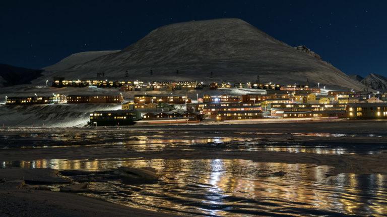 Fjorden og byen © Jarle Røssland