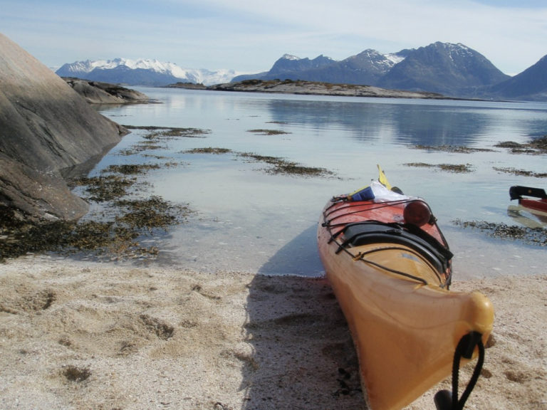 Make your kayak trip into a beach holiday © Rachael Knudson / Rocks and Rivers