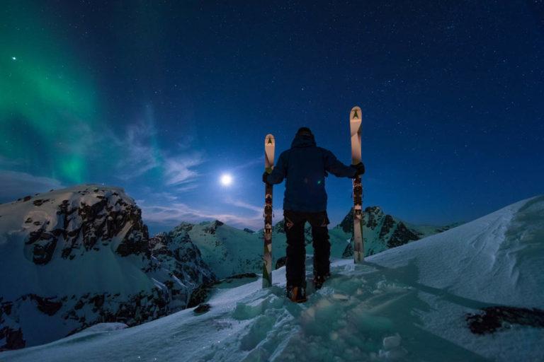 Fullmåne, nordlys og topptur. Kinderegg © Lars Mathisen / Visit Tromsø