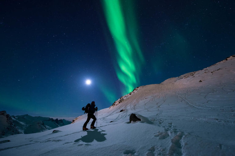 Om du legger turen tidlig i sesongen kan du oppleve denne kombinasjonen © Lars Mathisen / Visit Tromsø