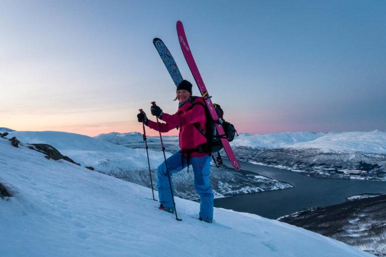 Sola står lavt på starten av sesongen © Lars Mathisen / Visit Tromsø