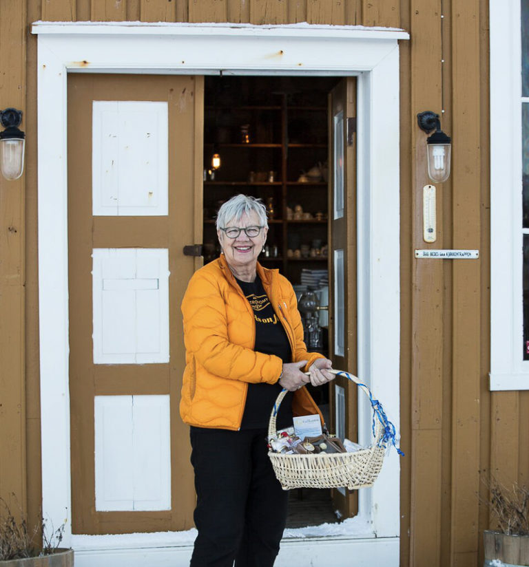 "Heading into the old shop, now restaurant, at Støtt. The discreet sign saying ""deliveries kindly requested to use the kitchen door"" is taken less seriously these days © Støtt Brygge"