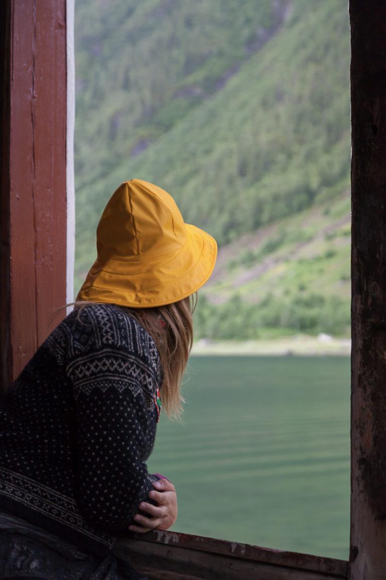 Blikk mot Øyfjellet © Kathrine Sørgård