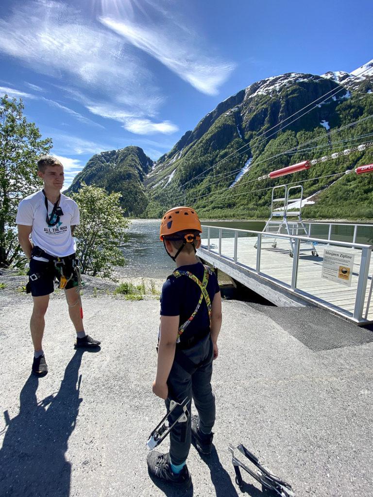 Er du klar for zip-line, løypestreng, over Vefsna? © Kathrine Sørgård