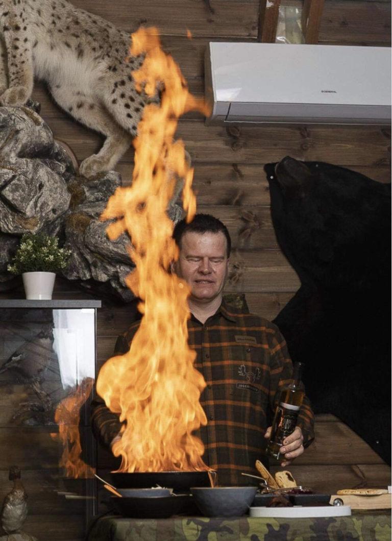 En svett av noe sterkt får det til å flamme opp @ Svein Jæger Hansen