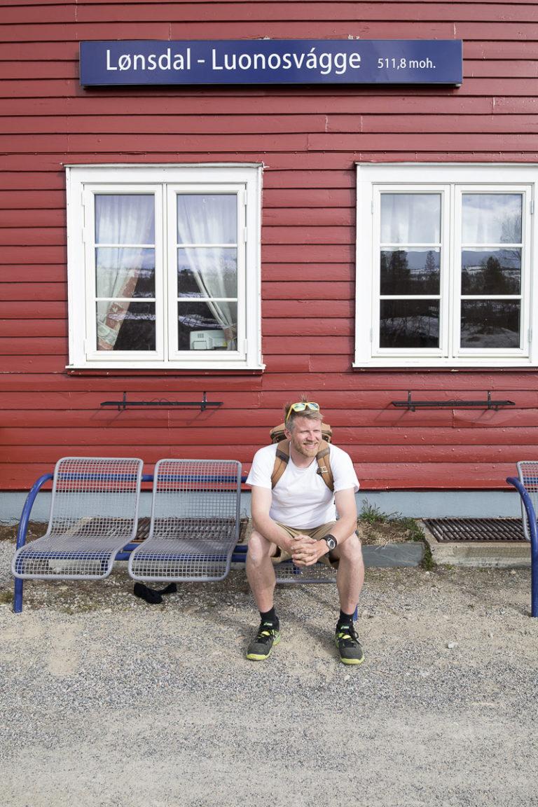 En rødmalt stasjon rett nord for Saltfjellet © Kathrine Sørgård