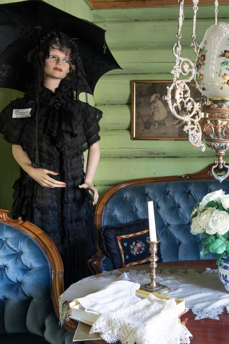 I det gamle stabburet er det utstillinger fra hotellets rike historie © Kathrine Sørgård