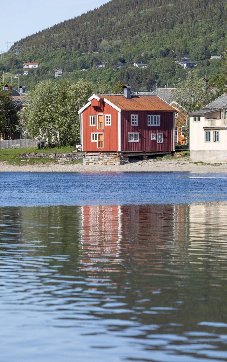 Rødmalt brygge. © Kathrine Sørgård