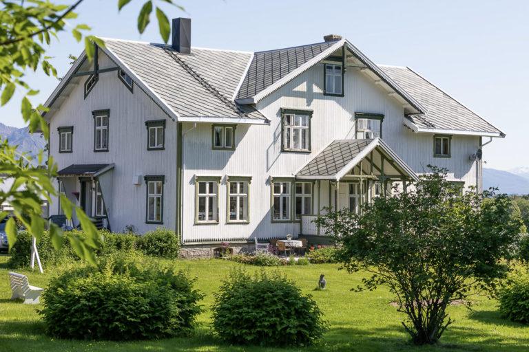 Hovedhuset på Dønnes © Kathrine Sørgård