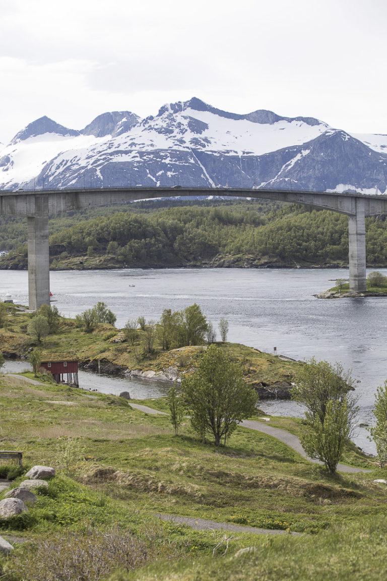 Straumen og Børvasstindan © Kathrine Sørgård