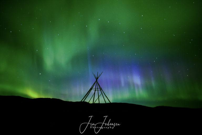 Autumn Aurora © Jim Johansen