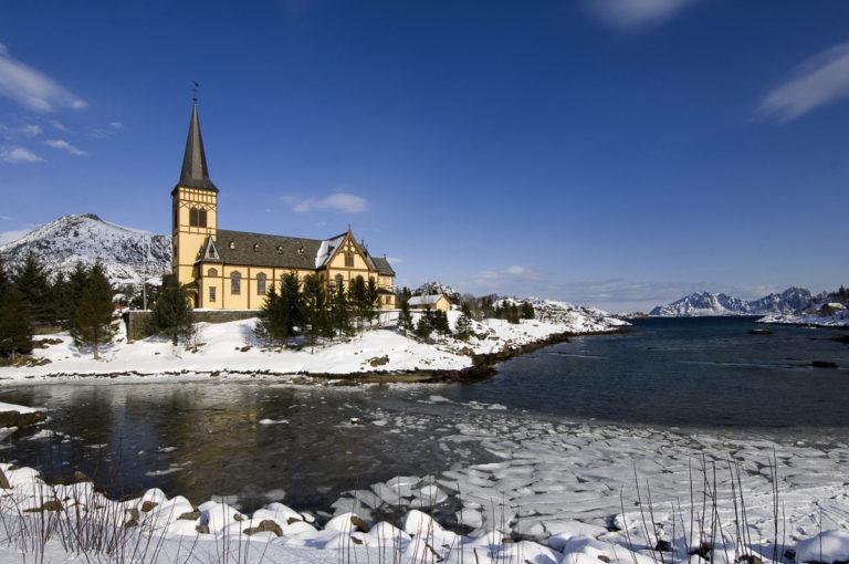 Church of Vågan on a winter's day © Terje Rakke/Nordic life