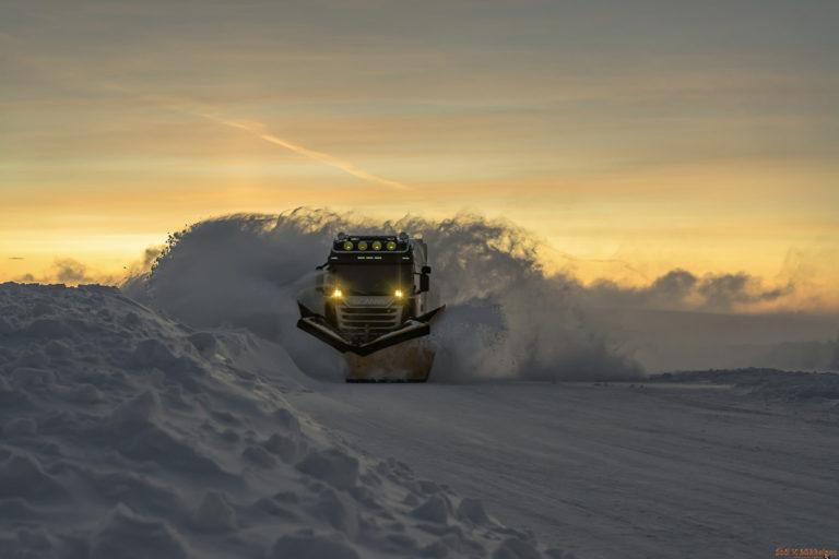 Snowplough heading to the North Cape © orth71degrees-ved-Stal-Vidar-Mikkelsen