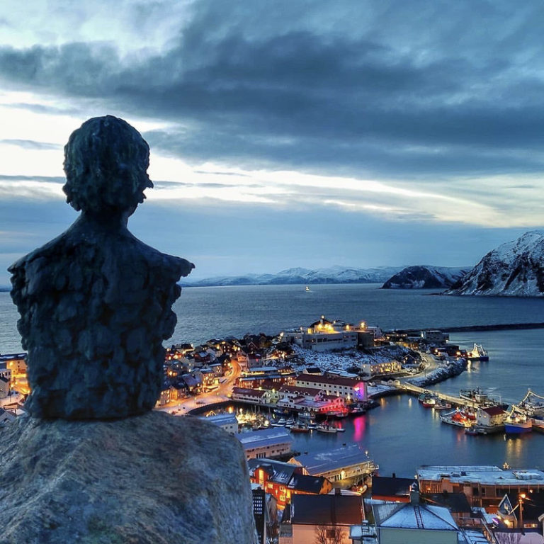 Film director Knut Erik Jensen looks out over his native town of Honningsvåg. This is a nice walk, but keep your spikes on the ready © Ann Wenche Marthinsen
