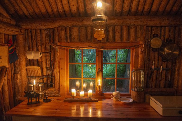 Kjøkkenbenken i gammen. Foto: Moski Gård