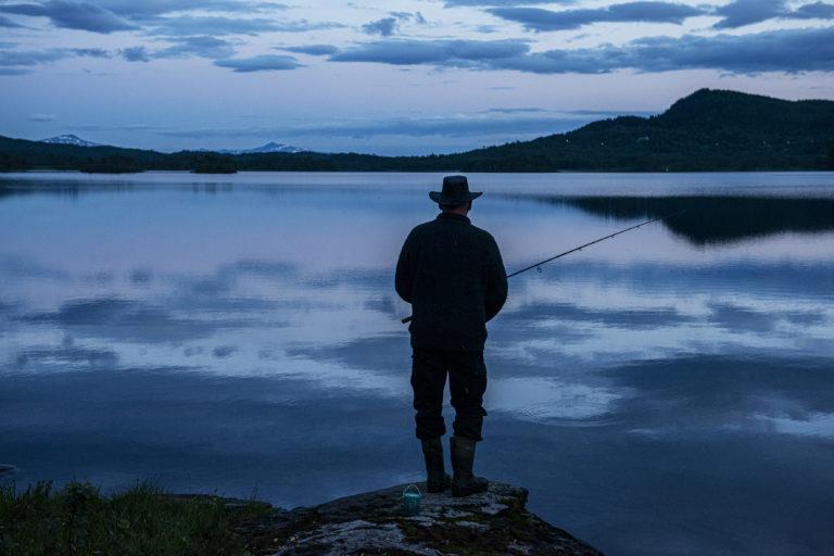 Fiske med stang. Foto: Moski Gård