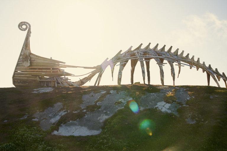 Drakkar! A bit viking ship, a bit dinosaur skeleton © Emile Holba / www.visitvaranger.no