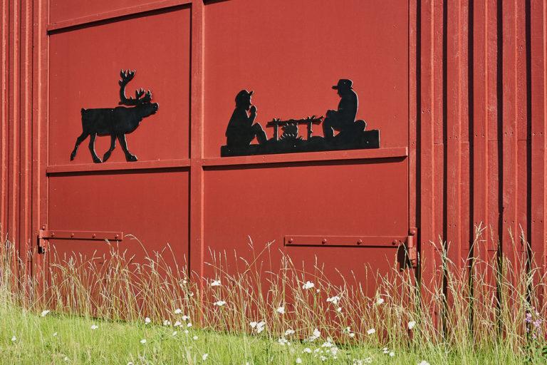 Barn detail © Emile Holba / www.visitvaranger.no