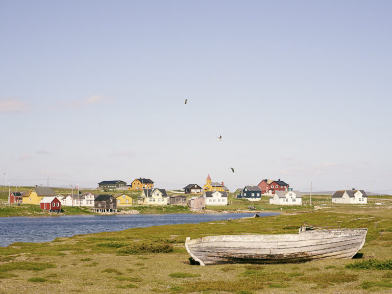 Skallelv is a small community with a well-preserved architecture. Go for a walk on the marked culture path © Emile Holba / www.visitvaranger.no
