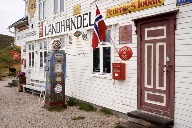 After miles of nothingness, one HAS to stop at the little store in Kongsfjord. Maybe only for an ice cream © Emile Holba / www.visitvaranger.no