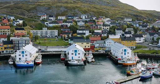 En byvandring er også å anbefale! Foto: Visit Nordkapp
