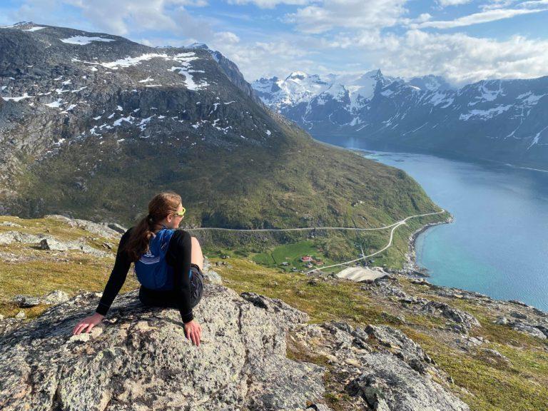 Utsikt mot Grøtfjorden på vei opp © Mats Hoel Johannessen