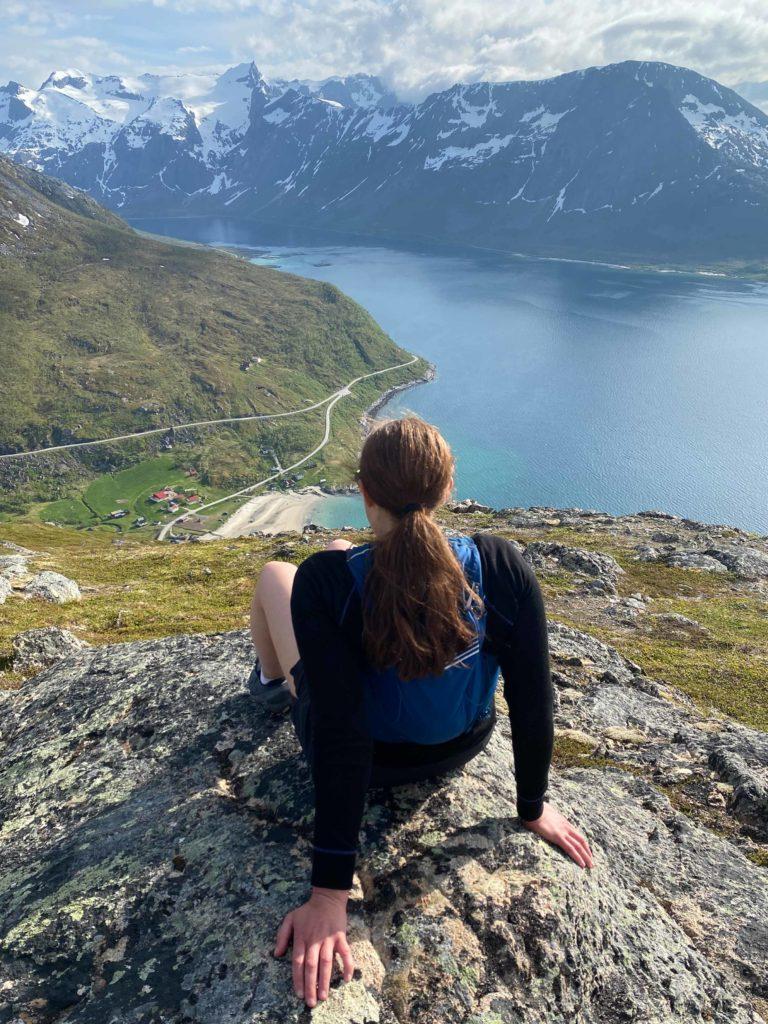 Grøtfjorden er en av de mest populære badestrendene på Kvaløya © Mats Hoel Johannessen