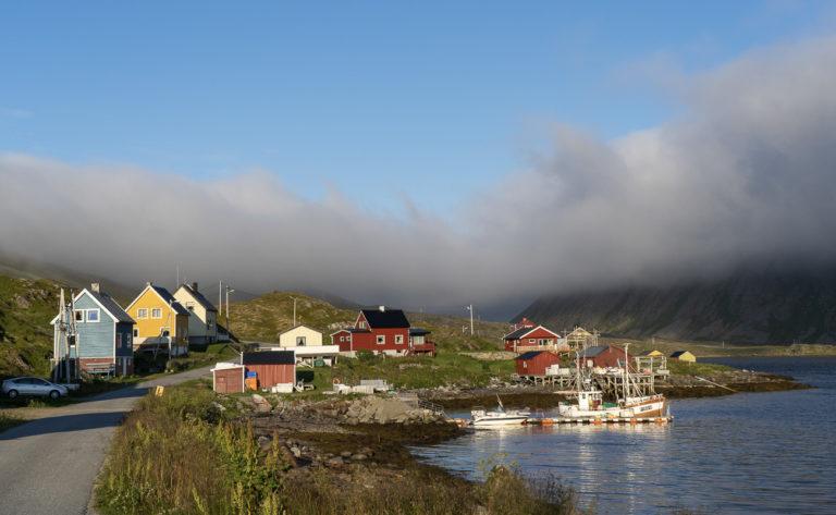 Gunnarnes på Rolvsøy er gjenreist i enhetlig stil etter krigen © Frid-Jorunn Stabell/Statens vegvesen