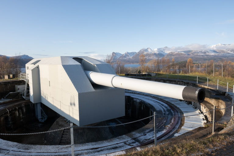 Fra toppen av Trondenes kan kanonen skyte i alle retninger © David Büttner